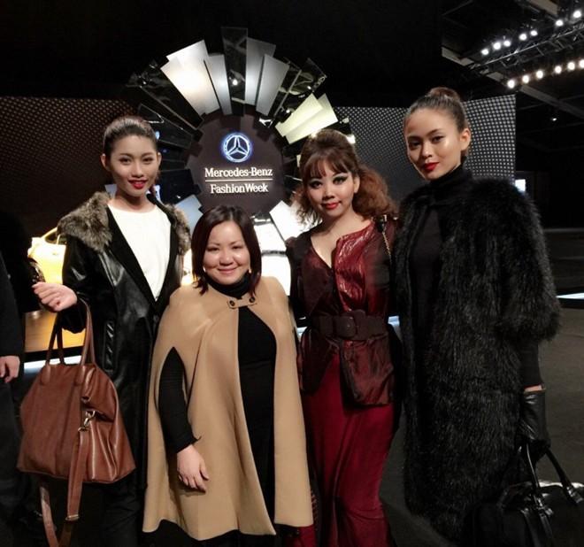 Ca sĩ Hà Phương dự show Quỳnh Paris ở New York - 7