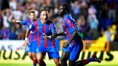 Barca – Levante: Chào Messi và cột mốc 300 - 2