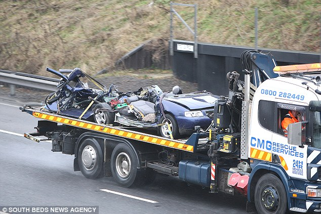 Anh: 40 xe đâm nhau liên hoàn, 54 người thương vong - 7