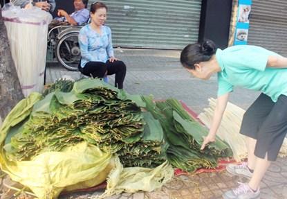 """Phiên chợ lá độc đáo """"năm 1 lần"""" giữa Sài Gòn - 11"""