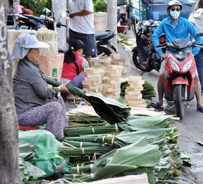 """Phiên chợ lá độc đáo """"năm 1 lần"""" giữa Sài Gòn - 6"""