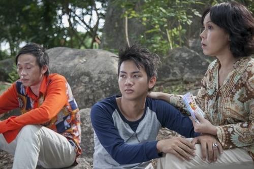 Hoài Lâm sưng phồng chân vì quay MV mới - 1