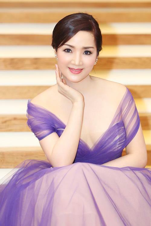 Thời trang 7X gợi cảm của hoa hậu Giáng My - 9