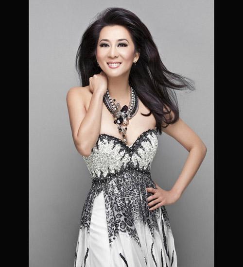 6 mỹ nữ Việt ngoại tứ tuần vẫn rất sành điệu - 8