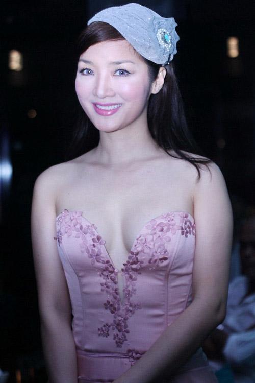 6 mỹ nữ Việt ngoại tứ tuần vẫn rất sành điệu - 2