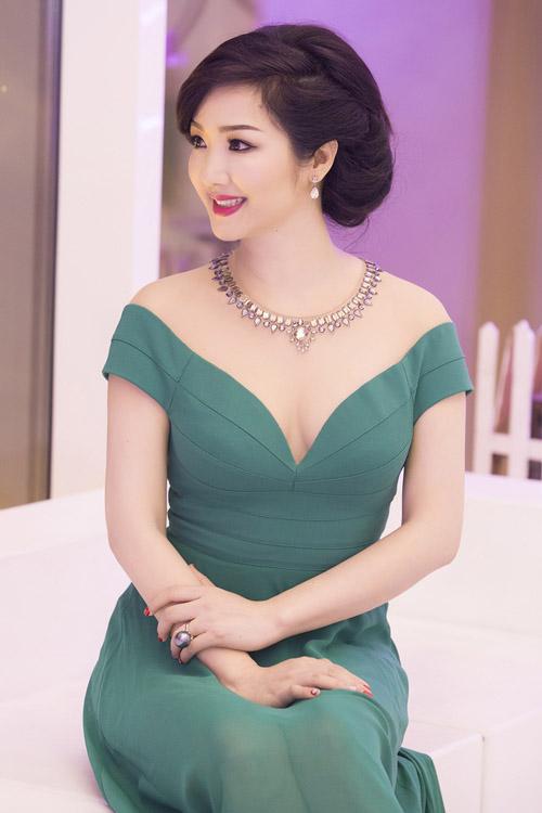6 mỹ nữ Việt ngoại tứ tuần vẫn rất sành điệu - 3