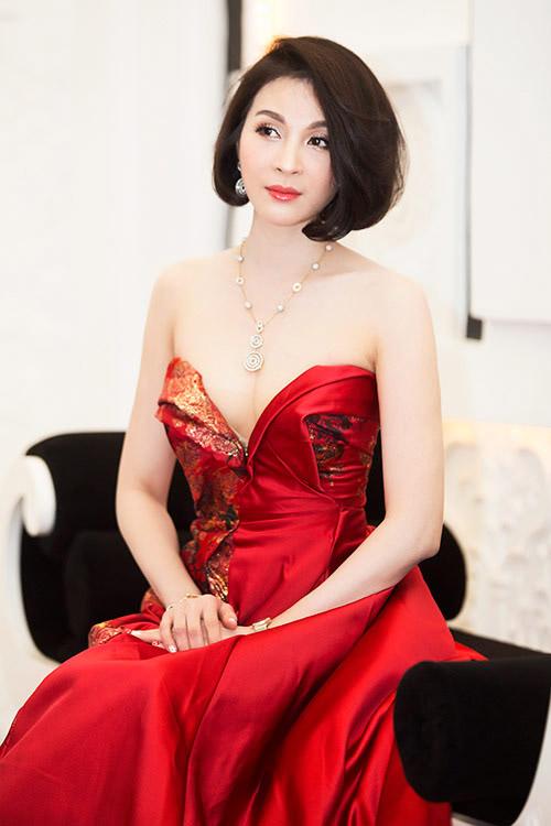 6 mỹ nữ Việt ngoại tứ tuần vẫn rất sành điệu - 10