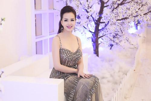 6 mỹ nữ Việt ngoại tứ tuần vẫn rất sành điệu - 13