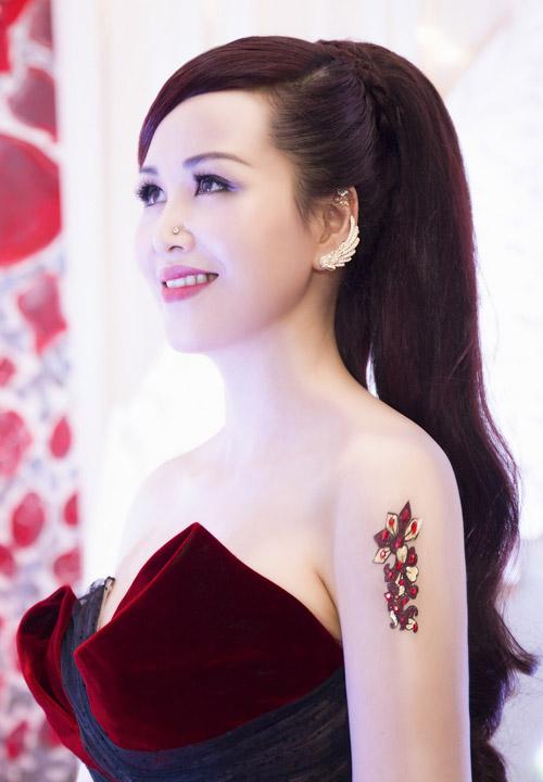 6 mỹ nữ Việt ngoại tứ tuần vẫn rất sành điệu - 15