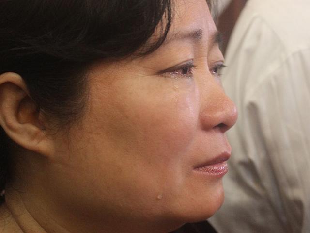Hàng ngàn người dân khóc thương ông Bá Thanh - 8