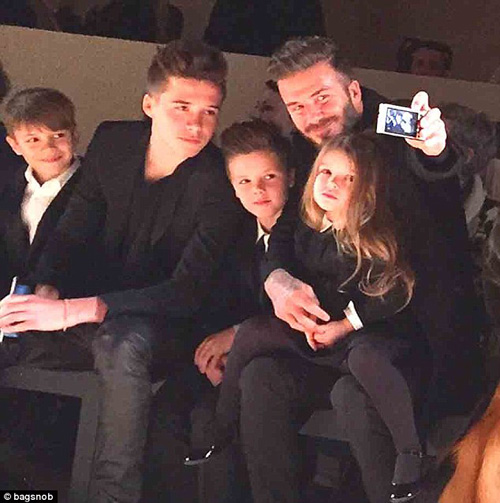 Con gái David Beckham đáng yêu trên hàng VIP - 5