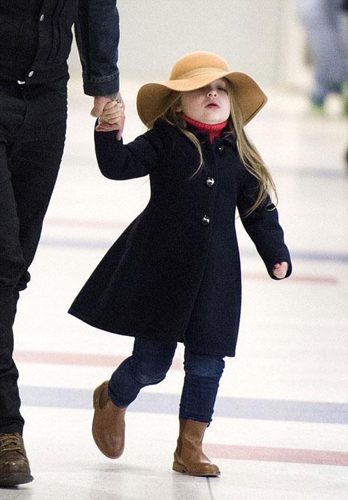 Con gái David Beckham đáng yêu trên hàng VIP - 10