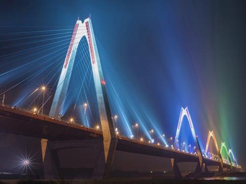Bắn pháo hoa giao thừa: Cấm xe lên cầu Nhật Tân - 1