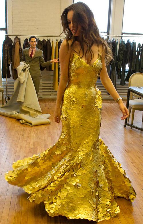 5 chiếc váy dát vàng tiền tỉ cực kỳ xa xỉ - 1