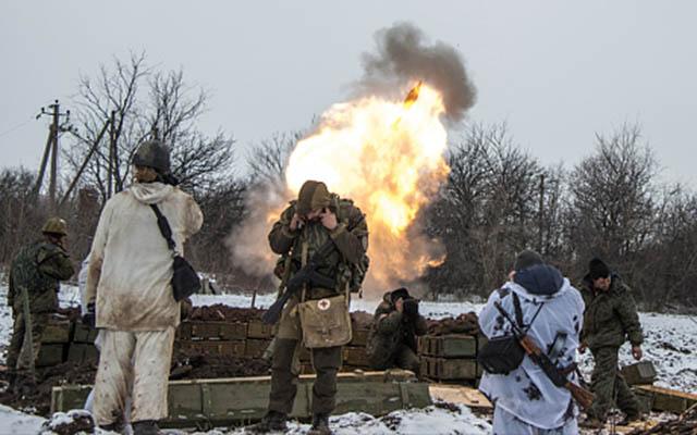 Thỏa thuận ngừng bắn mới ở Ukraine trên bờ sụp đổ - 1