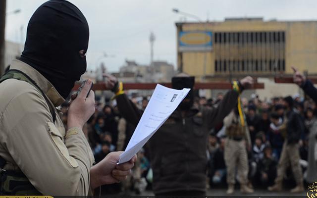 Phiến quân IS chặt tay 3 phụ nữ vì dùng điện thoại - 1