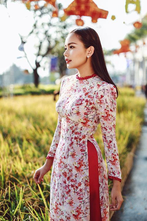 Phan Như Thảo đẹp nao lòng trong tà áo dài nền nã - 7