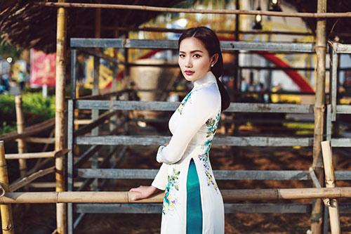 Phan Như Thảo đẹp nao lòng trong tà áo dài nền nã - 5