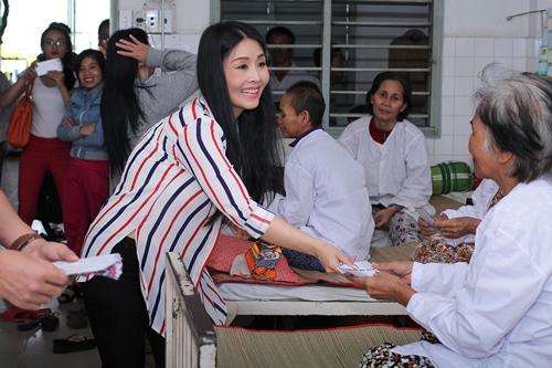 Kiều Oanh ủng hộ gần 100 triệu đồng cho người nghèo - 1
