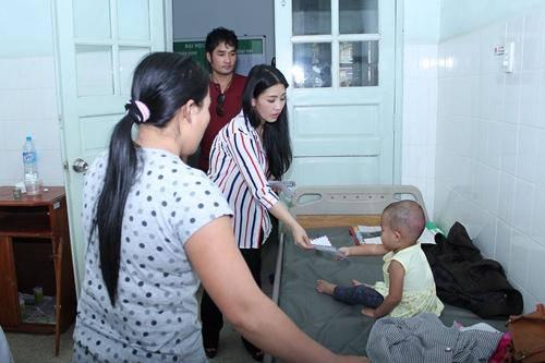 Kiều Oanh ủng hộ gần 100 triệu đồng cho người nghèo - 10