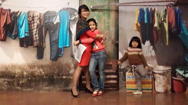 """Trò chuyện cuối năm với bà mẹ bị """"kẹt"""" giữa hai nền văn hóa: MC VTV3 Mỹ Linh - 4"""