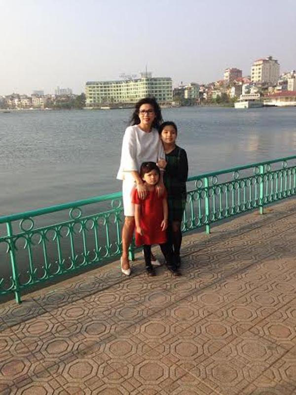 """Trò chuyện cuối năm với bà mẹ bị """"kẹt"""" giữa hai nền văn hóa: MC VTV3 Mỹ Linh - 5"""