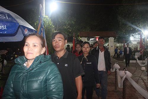 Người Đà Nẵng trắng đêm tiễn biệt ông Nguyễn Bá Thanh - 5
