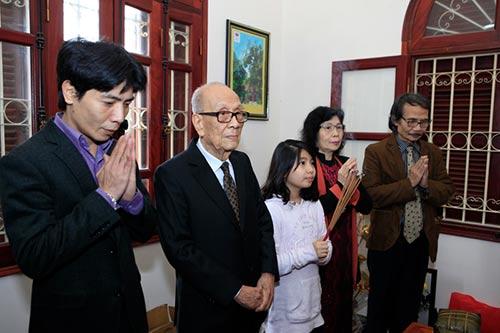 Đón tết cùng gia đình Giáo sư Vũ Khiêu - 1
