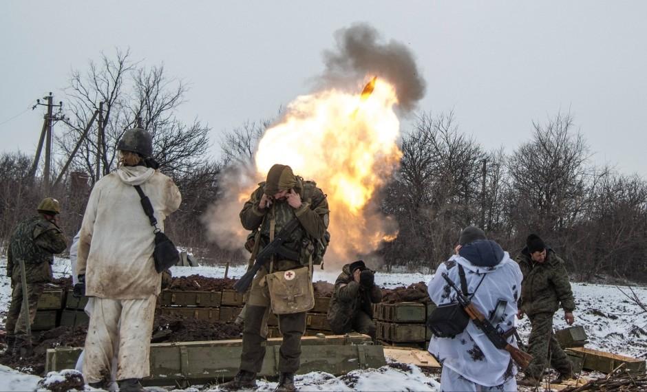 """Putin: """"Hãy để lính Ukraine ở Debaltsev đầu hàng"""" - 2"""
