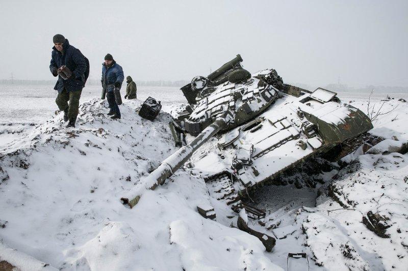 """Putin: """"Hãy để lính Ukraine ở Debaltsev đầu hàng"""" - 1"""