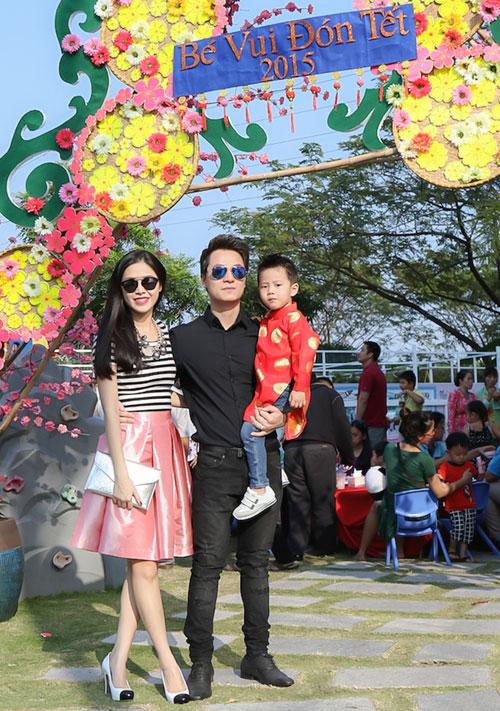 Gia đình Đăng Khôi đi chơi Xuân, xin chữ đầu năm - 10