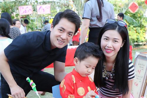 Gia đình Đăng Khôi đi chơi Xuân, xin chữ đầu năm - 7