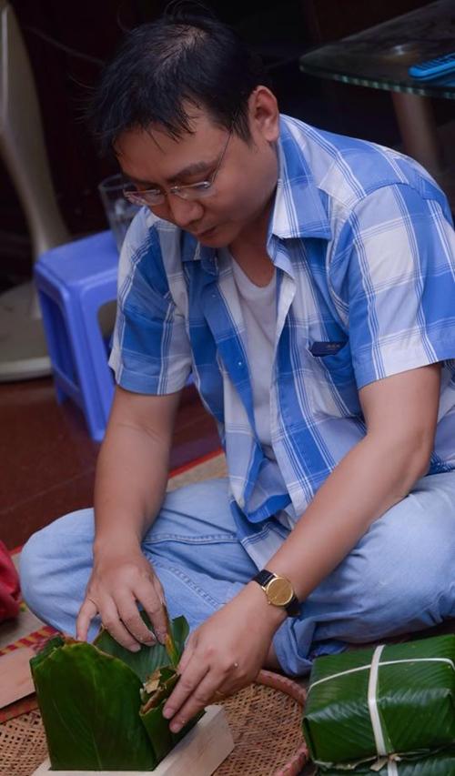 Trịnh Kim Chi bầu 5 tháng vẫn đảm đang gói bánh chưng - 5