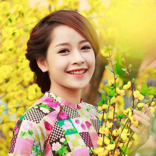 Mỹ nữ Việt đẹp ấn tượng bên hoa cỏ mùa xuân - 6