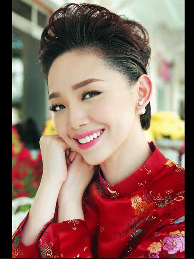 Nguyễn Khoa Tóc Tiên có vẻ đẹp rất hiện đại
