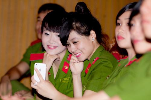 Niềm vui trực Tết của sinh viên cảnh sát, quân sự - 2