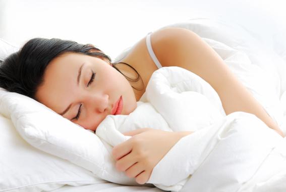 Trót ngủ nướng ở nhà chồng ngay ngày mùng 1 Tết - 1
