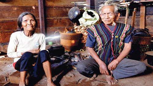 Thăm nhà cụ ông cao tuổi nhất Việt Nam - 2
