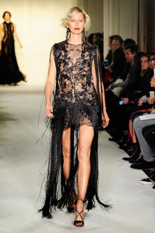 Váy áo trong suốt gợi cảm phủ kín sàn diễn New York - 12