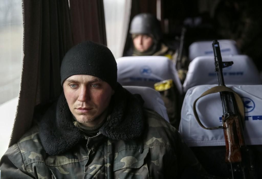 """Cuộc tháo chạy khỏi """"địa ngục"""" của lính Ukraine - 3"""