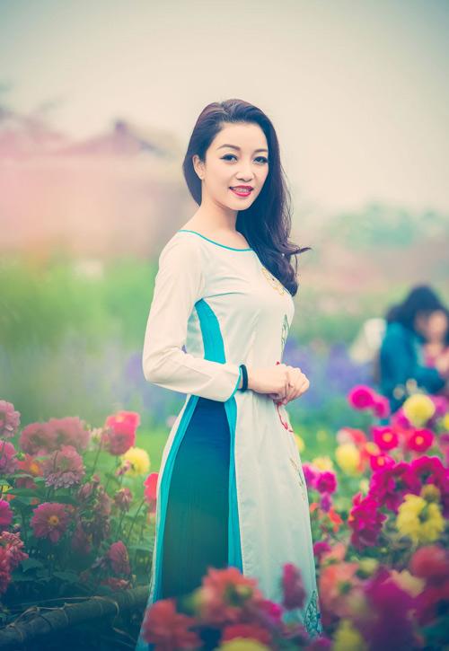 Phạm Thu Hà hóa thiếu nữ xưa đón Tết - 5