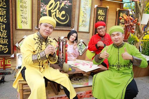 Phương Thanh du xuân cùng nhóm MTV - 11