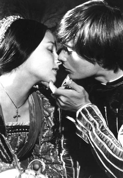 Những nụ hôn lãng mạn nhất mọi thời đại trên màn ảnh - 8