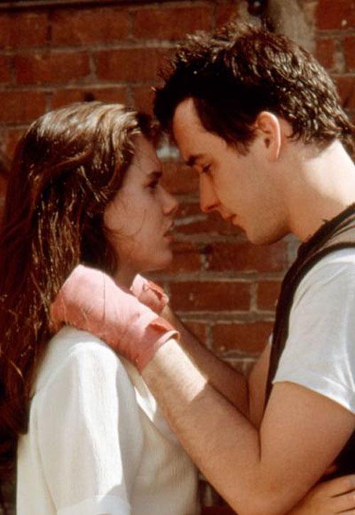 Những nụ hôn lãng mạn nhất mọi thời đại trên màn ảnh - 13