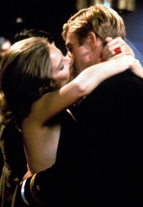Những nụ hôn lãng mạn nhất mọi thời đại trên màn ảnh - 10