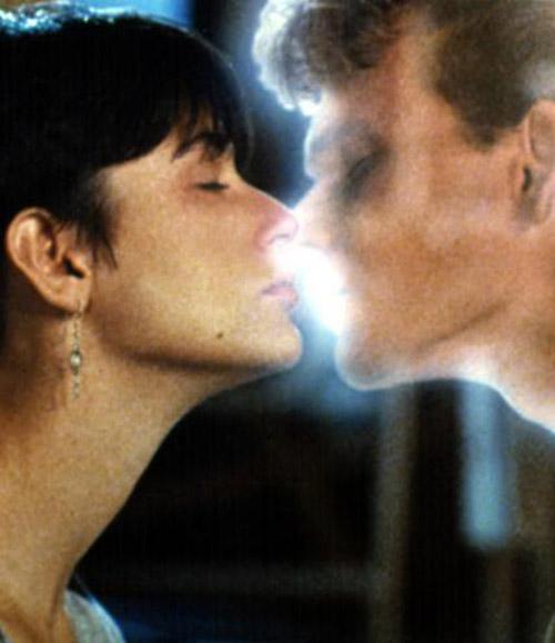 Những nụ hôn lãng mạn nhất mọi thời đại trên màn ảnh - 15