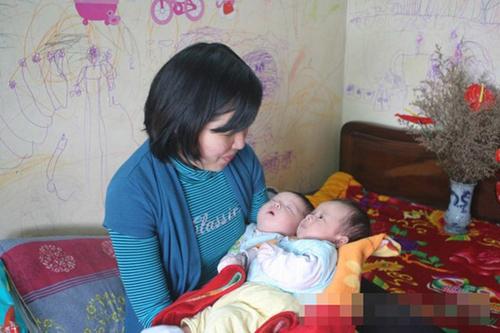 Chuyện về cặp song sinh từ tinh trùng của người bố đã mất - 1