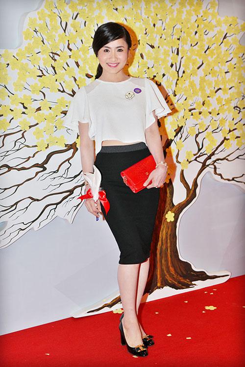 Mặc đẹp và sành điệu như mỹ nhân Việt đi chơi Tết - 5