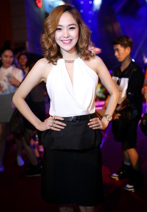Mặc đẹp và sành điệu như mỹ nhân Việt đi chơi Tết - 1