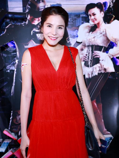 Mặc đẹp và sành điệu như mỹ nhân Việt đi chơi Tết - 3